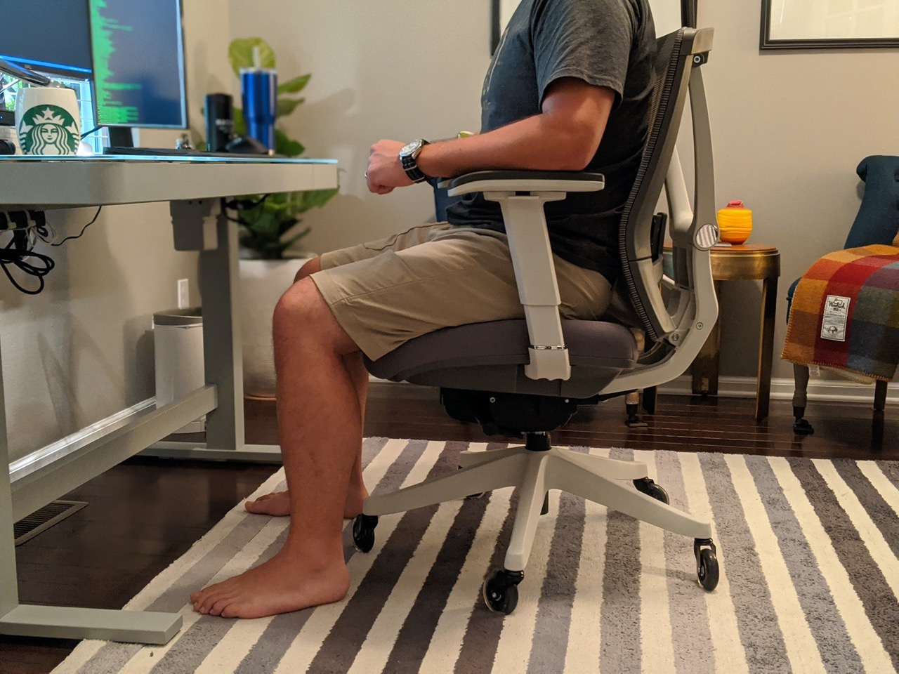 Proper leg alignment in the Ergo Chair 2 Office Chair